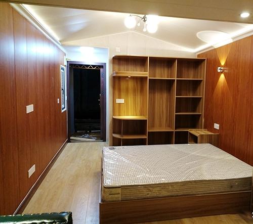 上下层小别墅卧室